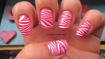 Candy Cane Stripes Colors used:  Sally Hansen X-treme Wear - Cherry Red Wet N' Wild - French White Creme
