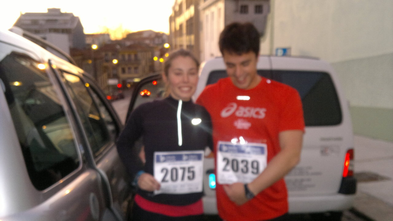 Porto Mini-Marathon update: We ran the 10km race on Sunday! Finally an update! Here are some photos of me and my boyfriend before the race, getting ready and being dropped off downtown ready to warm-up and gather with the rest of the participants! Following a light lunch and having not drunk not too many liquids prior to the race, we were ready to experience our first 'real' racing event in our city!  Running this 10km race was a very humbling and rewarding experience. The mind is a very powerful thing, and although we might not think about this everyday, it very much influences how much power and perseverance we put into focusing when exercising. I noticed my motivation and determination to complete the race without stopping was very clearly transmitted to my whole body. There were 4500 athletes in total present, many of them professional runners. The adrenalin, the competitive rush in the air (one of the things I love most about practicing a sport) and the beginners feeling of being at a 'real' race, was unexplainable! The 10 kilometers came along faster than I thought. I started off pretty slowly, as I know my rhythm and body quite well, I can't push it at the start. This enabled me to speed up a faster pace after the 7km mark, giving a boost to my competitive motivation. However, I had to control this speeding up with slow and deep breaths throughout, as well as keeping my back and chest very straight. I completed the race in 1h2min, quite tired, but with calm breathing, and no pain, just sore legs. The winner completed the 10km race in 28min..can you imagine that?! Absolutely amazing! This was certainly a personal achievement for me, and one I hope to repete again in a near future. Now I have a personal time to beat, and I know how my body and heart behaves with running for as long as an hour. I believe in No pain, No gain. No challenge is too hard, it just depends on you wanting it.                                          The view at the starting point of the race!