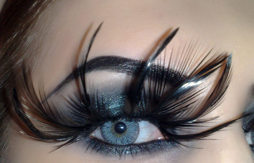 beautylish:  Check out those feather eyelashes on Beautylish Beauty Stacey MakeUp D.!  Fly away..with some lashes…