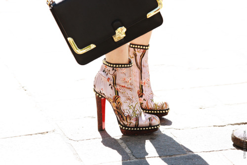 pointofblake:  Mary Katrantzou x Christian Louboutin