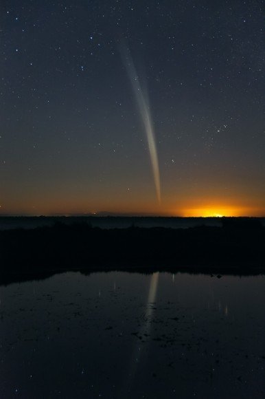 Stunning Image of Comet Lovejoy by Colin Legg