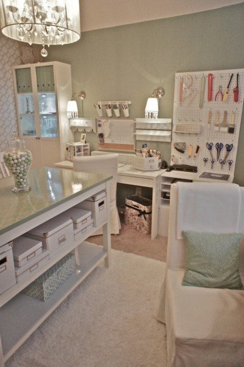 What a beautiful craft room, it will be ideal for my home.