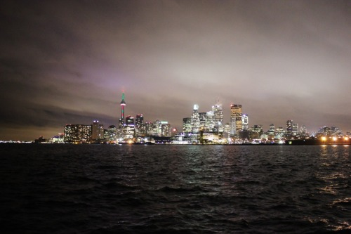 Toronto Skyline Photo by: tintalee's boyfriend using my camera of course [Good job boo :)]