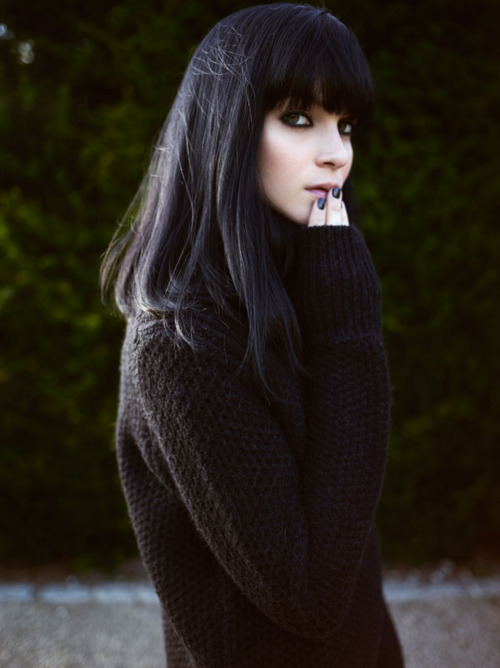 self-rescuing-princess:  I really consider dyeing my hair to black. I like that so much…
