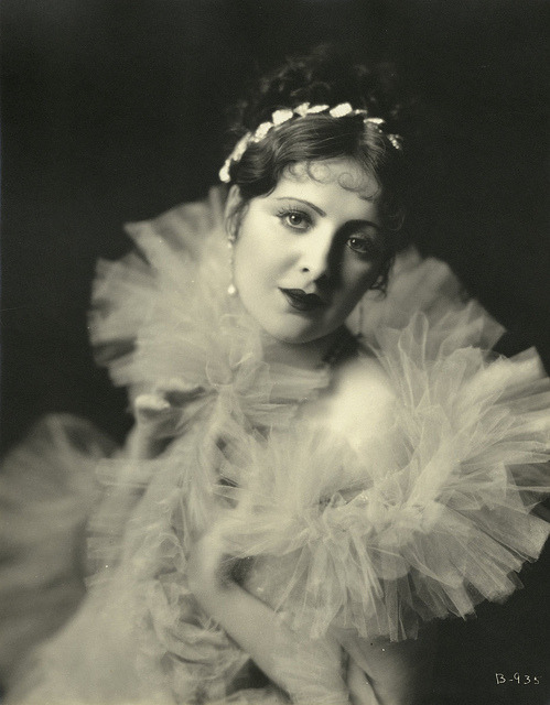 solo-vintage:  Billie Dove (1928)