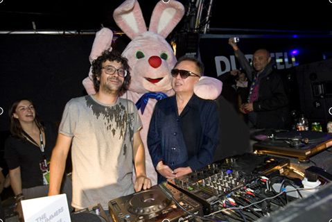 kimjongildroppingthebass:  droppin' with duracell rabbit