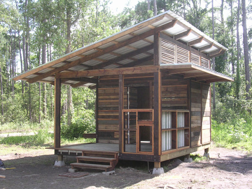 cabinporn:  Built by Designcorps for refugees from Hurricane Katrina in Pearlington, Mississippi.