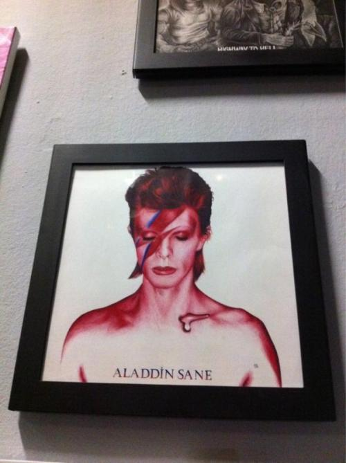 "@ le point éphémère for the ""music covers"" exhibition DAVID BOWIE COVER ALADDIN SANE pen drawing till 14 january"