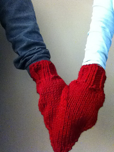 bonesurf:  smitten mittens y'all!! AWWWW click through for pattern