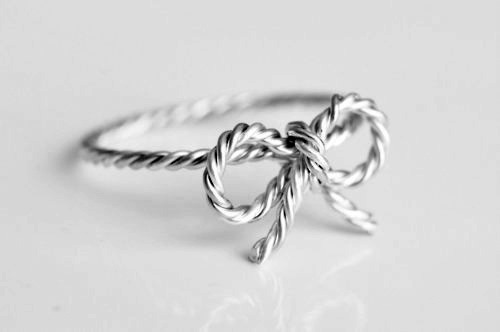 vvild-moon:  i have a ring like this :)