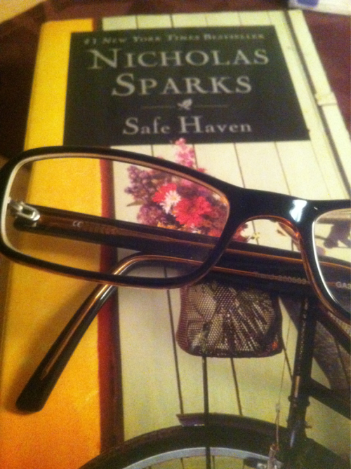 Reading one of my fav books 'Safe Haven' by the fabulous Nicholas Sparks.. Only thing that's missing is a nice glass o' red