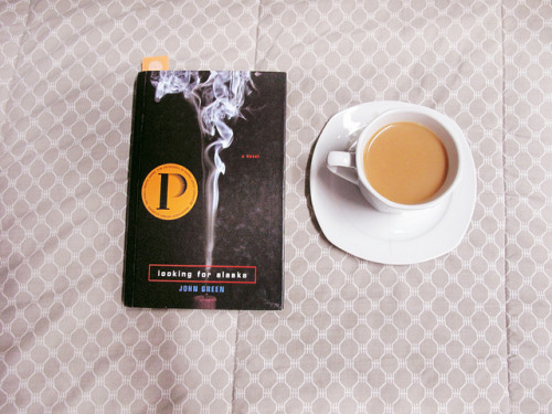 booksandtea:&lt;/p&gt;&lt;br /&gt;<br /> &lt;p&gt;untitled by Carina Santos. on Flickr.&#8221; />Found at <a href=