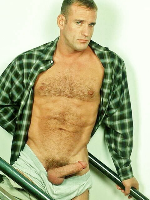 #WHO is he?      ||  #HunkFinder  ||   tigerwantsbears:  Who is this fella?