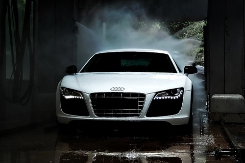 johnny-escobar:  R8 getting a bath
