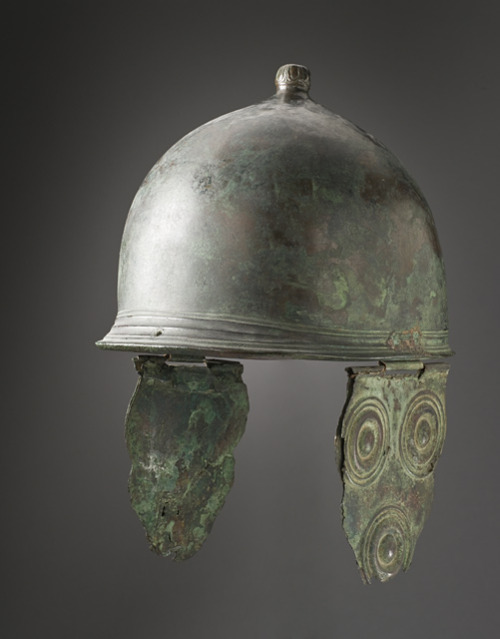 theancientworld:  Helmet, Italy, Etruscan, 3rd century B.C Los Angeles County Museum of Art, Located in the Hammer Building room 308