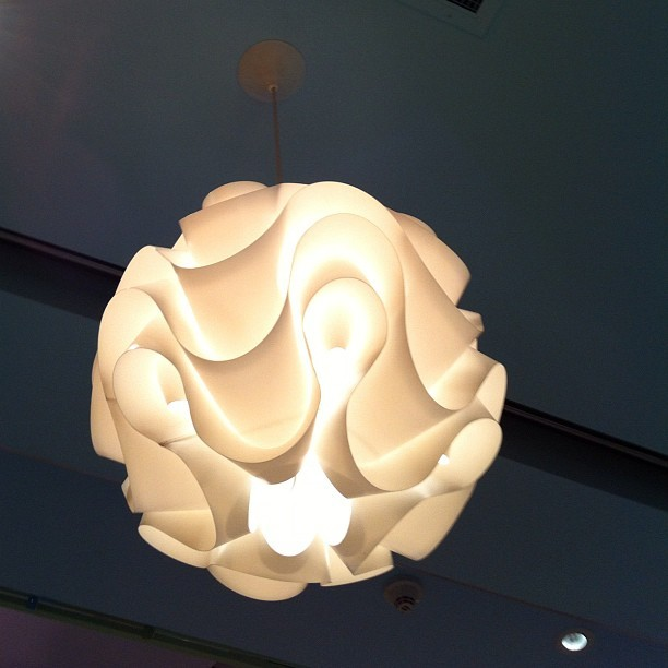 #light #lamp #flower #fixture #homedecor #beautiful #pretty #pinkberry #glow (Taken with instagram)