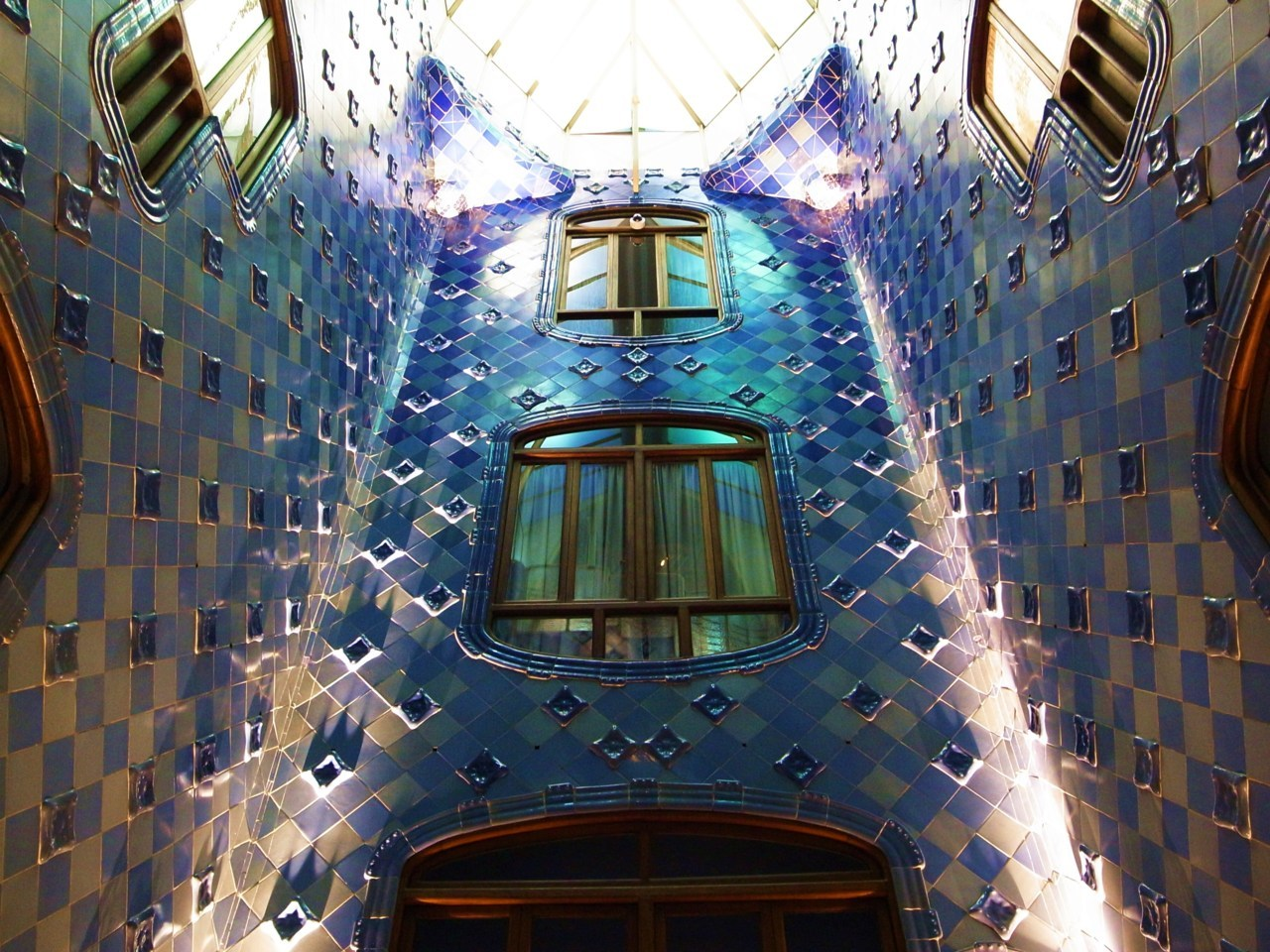 Inside the Casa Batlo, architectural masterpiece of Antonio Gaudi on the Passeig de Gracia, Barcelona Photo Thomas Filippini