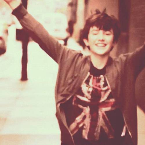 Freedom ! Haha ! Merry Christmas Greyson Chance and all loyal Enchancer ! ILYILYILY !