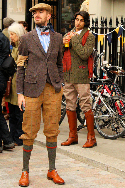heyitsmejudith:  Tweed Run 2011 by BumbyFoto on Flickr.