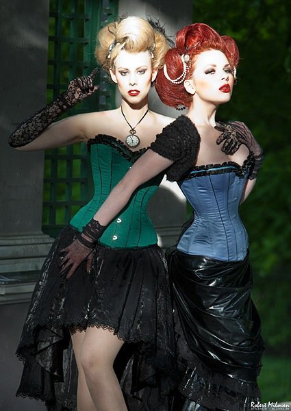 Models: Me and Tea Time (red hair) Photo: Robert MilovanCorsetts: Viola lagher