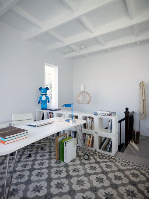 GET THE LOOK @ IKEA // The desk: VIKA RUNTORP leg with caster, VIKA AMON table top in white, SNILLE swivel chair in white The storage: EXPEDIT bookcases in white (2x2 or 2x4) The floor (I looked for rugs with either a similar color scheme or repeating geometric motif): ALVINE RANG rug, DAGNY rug     [ via The 'Grand Dame' of ASKarchitects in Piraeus, Greece ]