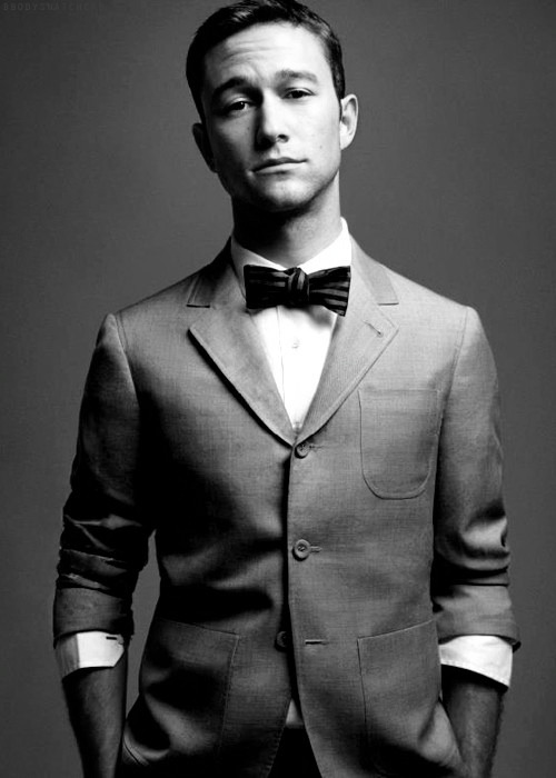 surf-your-worries-away:  You, Mr Gordon-Levitt, are a fine specimen