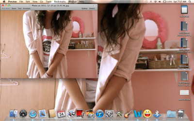 niccaidian:  new wallpaper! featuring EBSCOhost lol  hoho ganda ng blazer :>