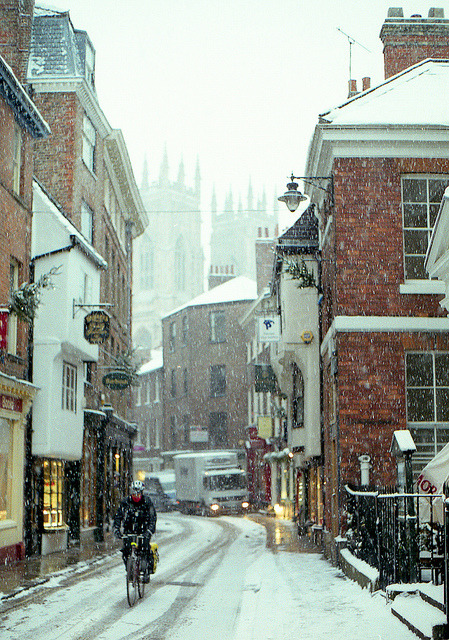 ysvoice:  | ♕ |  Snowing street - York, UK  | by © Sam Fryers