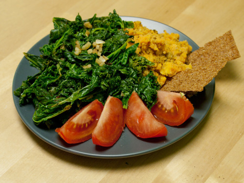 Thursday Dinner kale and garlic stir-fry: 130 calories sweet potato mash with basil pesto: 195 calories 1/2 rye crisp: 15 calories 1/2 tomato: 15 calories  Total: 355 calories  Snack 1 cup almond milk: 35 calories Day Total: ~1,550 calories