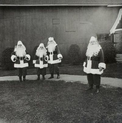 art-it:  Santas at Santa Claus School, Diane Arbus, 1964