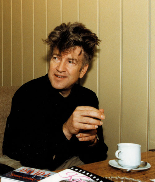 Ah, Lynch-land, where the coffee's always flowing and the hair is always GLORIOUS!