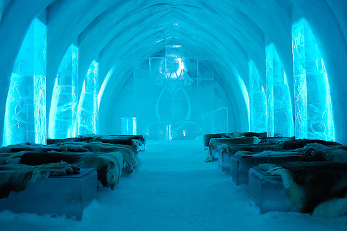 living-in-luxury:  Ice Hotel, Sweden   lol, looks cold.