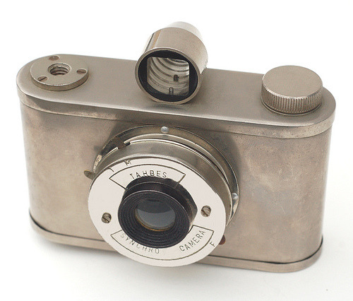 The Tahbes Synchro Camera is a bare metal camera, made in the Netherlands c1947-48. Found here, more here.