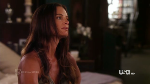 iloveburnnotice:  I miss her already :/