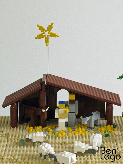 LEGO Christmas nativity scene (2) by benlego on Flickr.