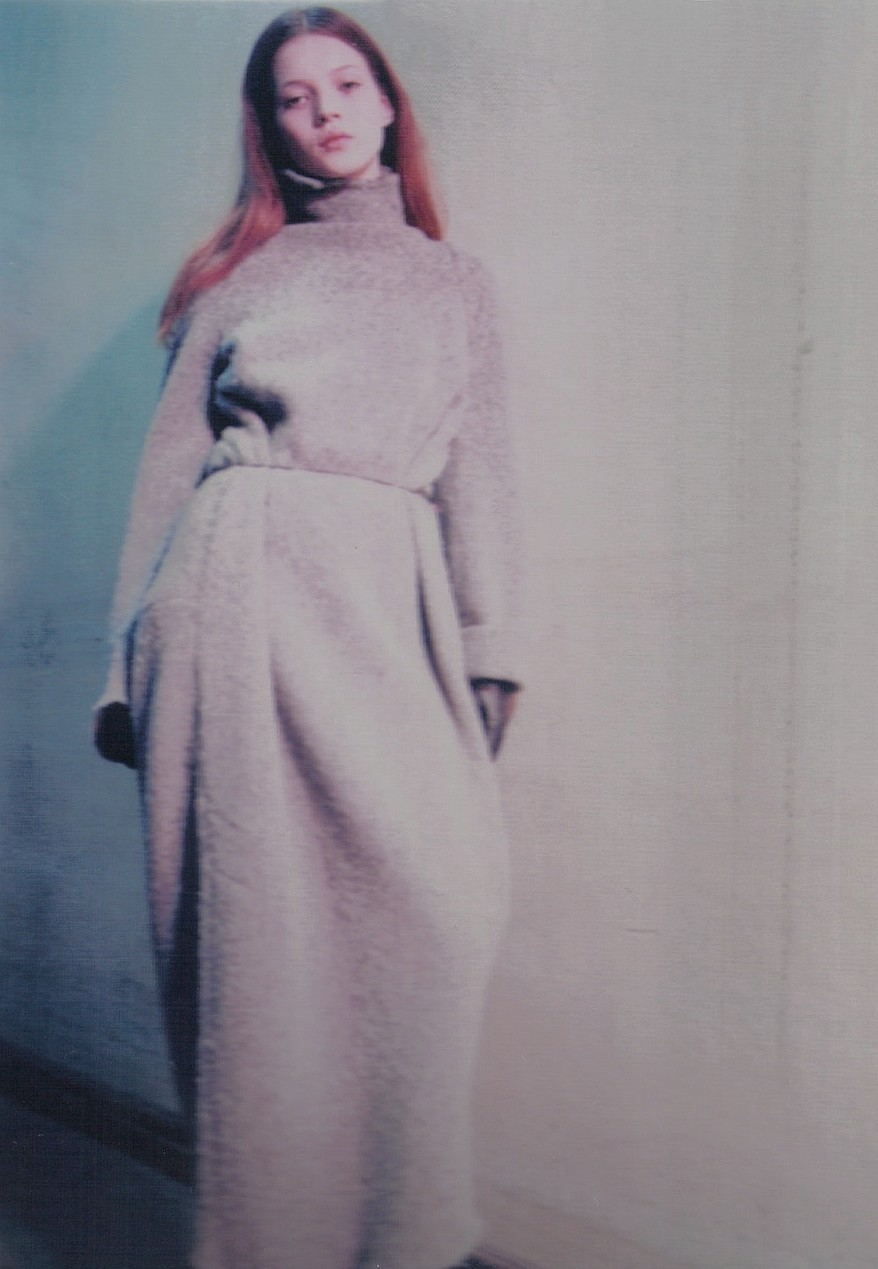 petrole:  kate moss backstage at maison martin margiela fall winter 1992/93