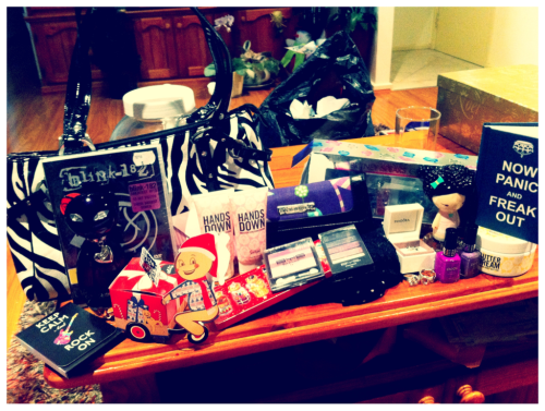 Santa was very good to Amy (: loving everything!!