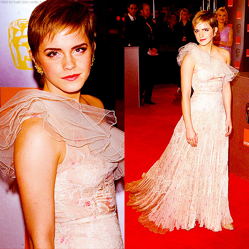 8 best appearance of emma watson in 2011 (x)          #7 ϟ 2011 BAFTA Awards