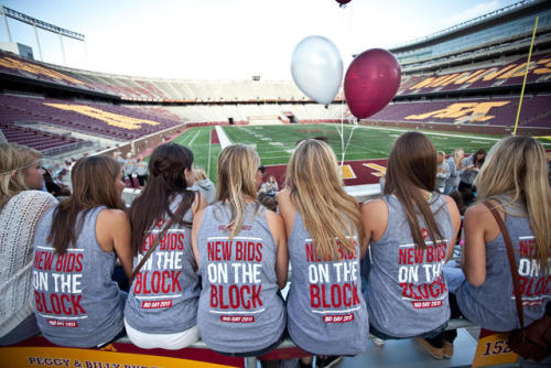 "sororitysugar:  greek fashion ~ alpha phi ""new bids on the block""  ;)"