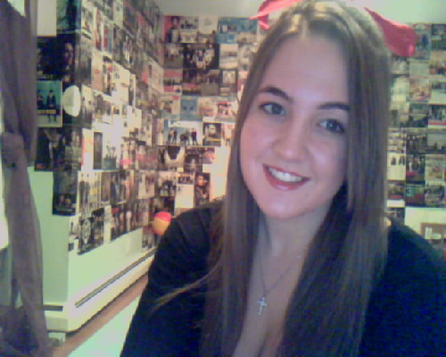 merry xmas eve!! i have a red bow :* can't wait for santa to come!