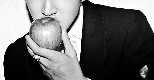 LOOK AT THESE LIPS … LUCKY APPLE *.*