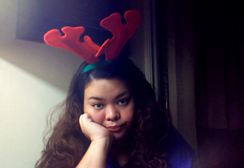 Awkward reindeer. This year's Christmas has been manic and all sorts of crazy/fat fun. It's the one time of the year that my cheer overtakes my general bitchiness, and all I want to do is throw confetti/honey baked ham at people in the most loving way possible. I can't believe it's all almost over; I'm not ready to say goodbye to these antlers just yet. In any case, my sister and I are about to cap off this excellent day with the made-for-TV B-movie, A Diva's Christmas Carol, and possibly the original animated version of How The Grinch Stole Christmas. I hope you've all had the merriest merriest merriest Christmas, everyone! God bless us, everyone! ♡♡♡