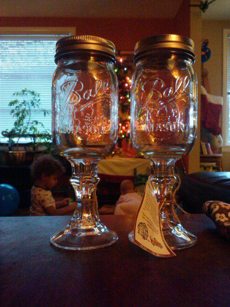 almondmilkandavocados:  horticultures:  mason wine glasses  these are awesome.  Nick you need these to stay classy.