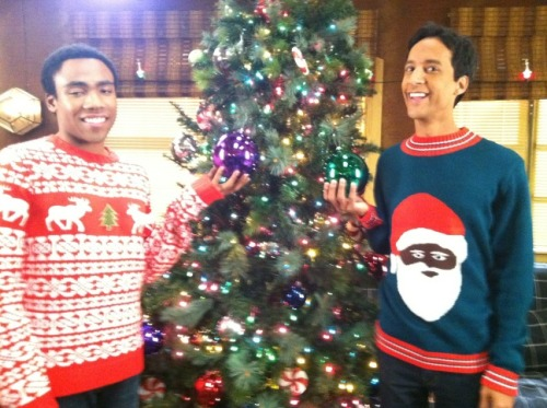 thedailywhat:  So This Also Happened of the Day: Troy and Abed on Christmas Morning! [@dannypudi.]  LOVE.