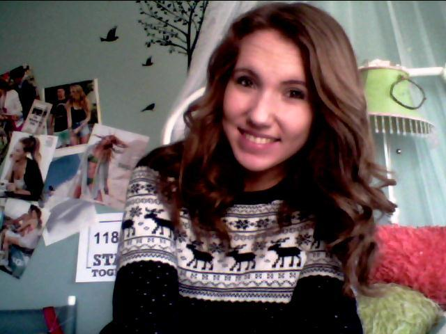 gotta love dem christmas sweaters.
