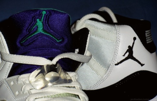jaysfordays:  deelovestaemin:  jaysfordays:  Grape's > Concord's  If you're a true collector you would know this but hypebeast don't give a fuck lol  Amen man, lol.