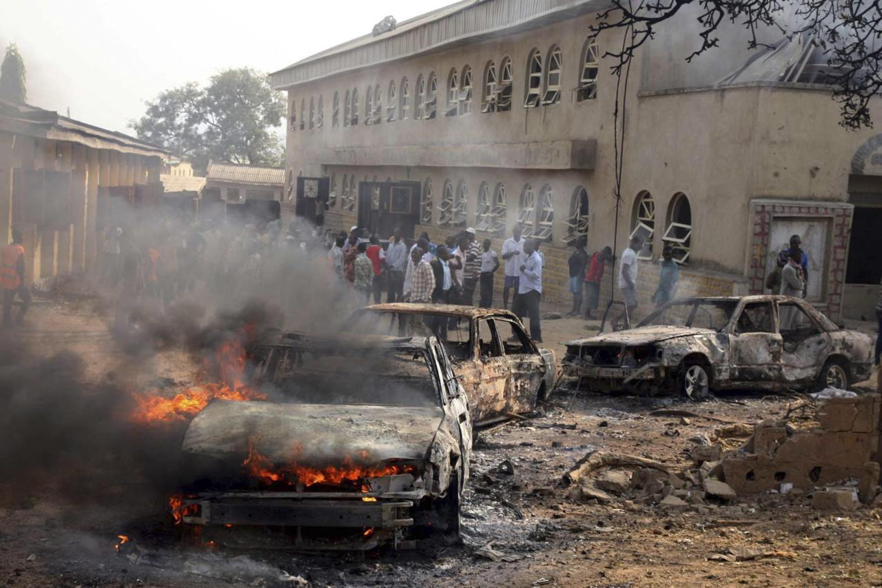Islamists kill dozens in Nigeria Christmas bombs Felix Onuah and Camillus Eboh for Reuters - Islamist militants  set off bombs across in Nigeria on Christmas Day - three targeting  churches including one that killed at least 27 people - raising fears  that they are trying to ignite sectarian civil war.