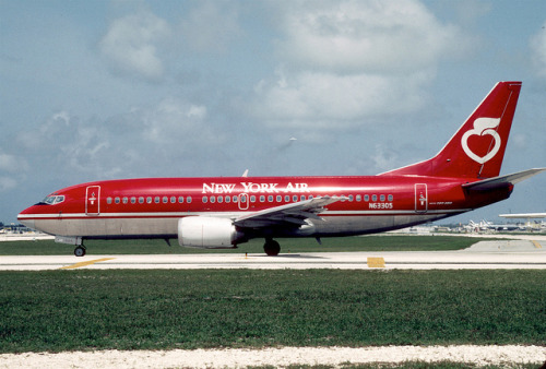New York Air Boeing 737-3T0; N63305, May 1986/ CFS by Aero Icarus on Flickr.Although mostly a DC-9/MD-80 carrier, New York Air did have a handful of 737-300s in it's fleet.