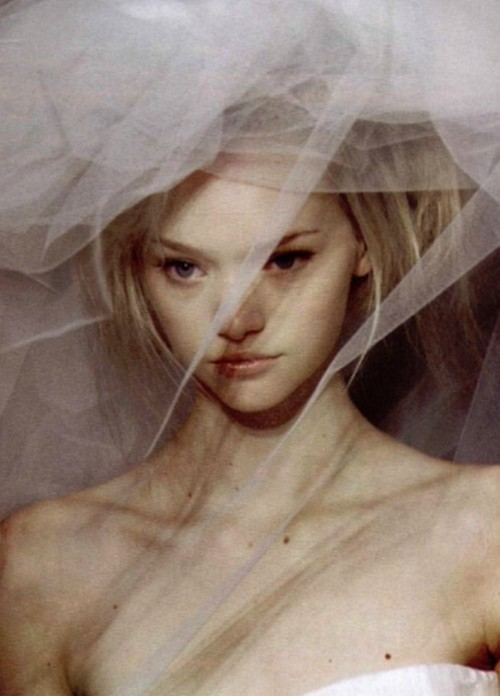 morsure:  gemma ward at givenchy spring summer 2004 haute couture