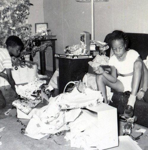 Christmas Morning 1950's ©WaheedPhotoArchive, 2011